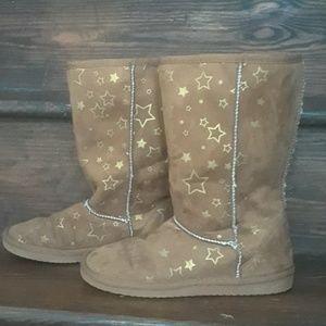 Size 4 Sherpa Boots